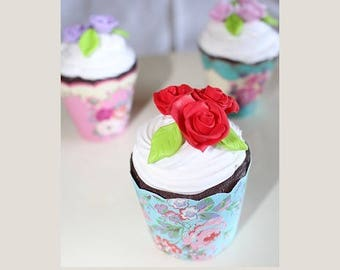 Cup cake, chocolate whipped cream, red rose