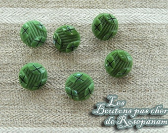 6 pretty vintage buttons - green - glass embossed patterns - diameter 1 cm