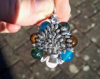 tree pendant and Tiger eye, apatite, rose quartz and MOSS agate beads