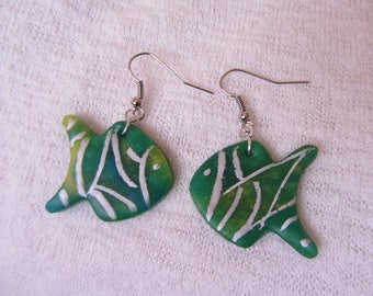 Earrings fish polymer clay marbled green, blue, yellow and silver patterns, earrings, light and fun, child, teen, adult