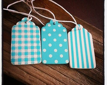 set of 3 wooden decorated in blue and white labels