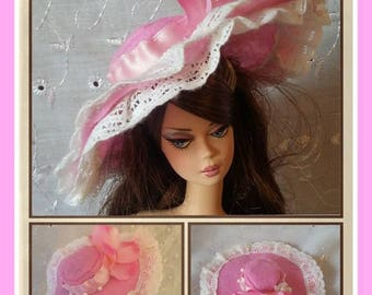 Hat for barbie