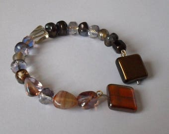 Harmonious shades of Brown pearl bracelet