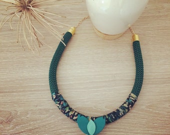 Necklace rope emeuraude and blue