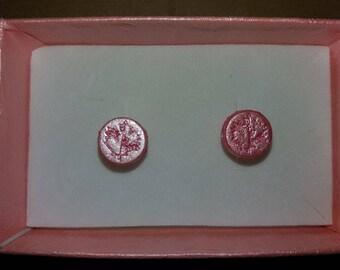 Stylized leaf earrings. Rosa