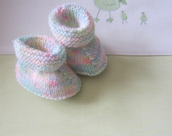 Newborn of speckled colors - hand made knitted baby booties