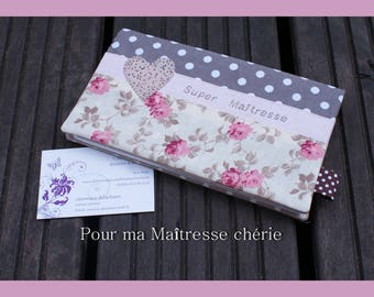 carry(wear) checkbook for Darling centerpiece!