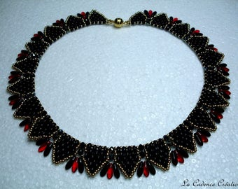 Black, red and gold beads necklace