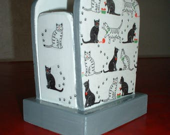 "PENCIL holder wooden ""black cats"""