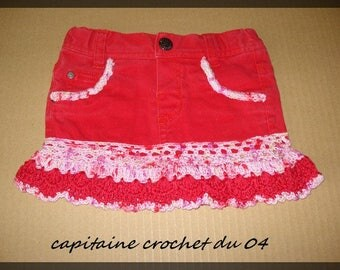 Skirt 2 years, custom Red denim recycled 24 months baby girl, girl with her crochet lace handmade creation