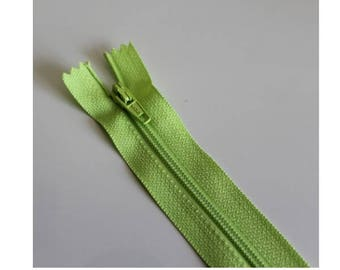 Apple green not separable zipper 18 cm, couture quality zipper