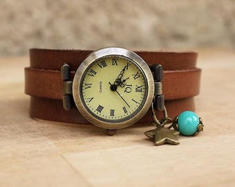 Vintage on antique brown leather strap watch
