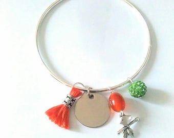 Silver bracelet. Orange tassel. Green Pampille.Shamballa.