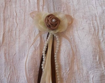 Clip hair flower, feathers, ivory and chocolate