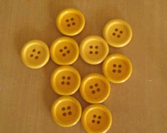 Set of 10 yellow buttons 1.9 cm four holes