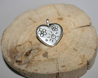 Heart pendant in antique silver 18x18mm