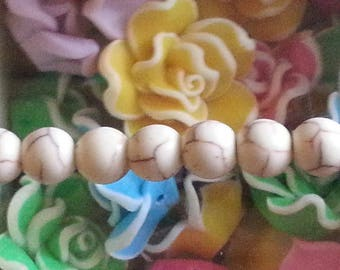 5 beads of howlite 8mm in diameter, hole 1 mm