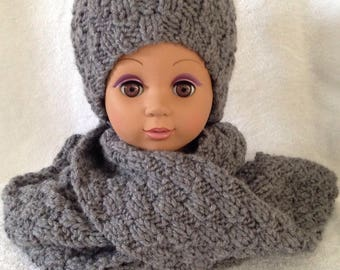 Hat and scarf set of anthracite grey color