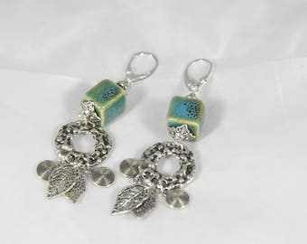 earring with Chinese porcelain beads, 7.5 cm
