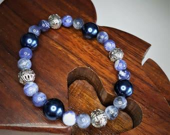 Elastic bracelet with gemstones beads