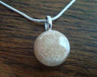 Pendant glass filled with authentic Mauritania desert sand dome
