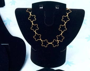 1 jewellery 16x15cm bust necklace display