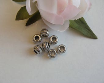 Set of 20 round metal spacer beads and pattern
