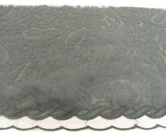 LACE on tulle - 15 cm - black