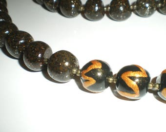Beaded necklace asymmetrical black and Tan granite