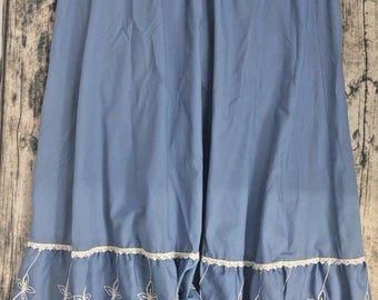 Vintage Miss Rodeo America Western Blue Cotton Ruffled Hem Prairie Skirt 15/16