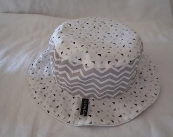 Hat - Reversible bucket Hat - 12-18 months (49.5 cm diameter)