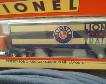 LIONEL TRAINS Logo Tractor Tailer New in Box #12989