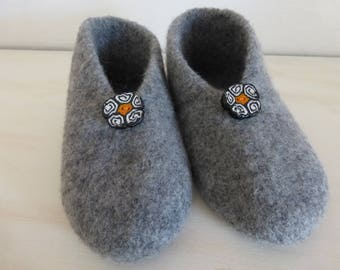 37/38 GREY MEDIUM SIZE FELTED WOOL SLIPPERS
