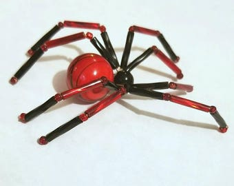Glass beaded spider figurine - black and red