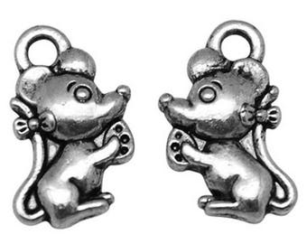 x 2 mouse charms in antique silver.