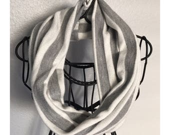 Infant/ toddler white and gray stripe scarf