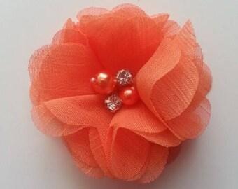 fleur mousseline perle et strass  orange   55mm