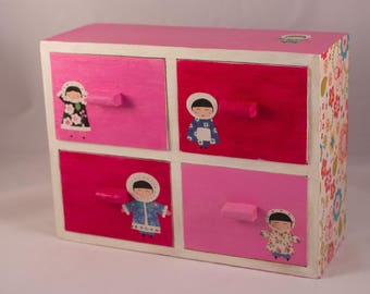 Box with four drawers very girly