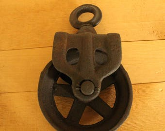 Vintage Cast Iron Barn Pulley