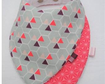 2 baby bibs, bandana (pink graphic Theme)