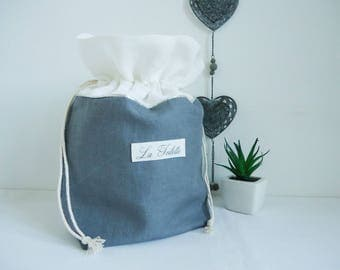 Kit toiletry bag in gray and white linen. Toilet bag. Toiletry bag. Toiletry kit. Birth gift.