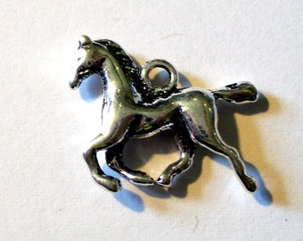 1 MB280 19x14mm Silver Horse charm