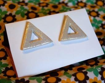 ceramic earrings eggshell-beige, studs, triangle