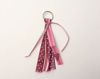 Little Keyring with multiple roses.