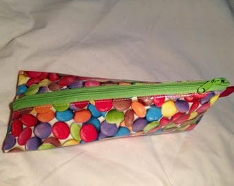 Triangular smarties oilcloth POUCH Kit