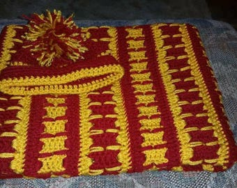Infant to crib afghan and hat