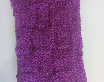 Protective case for cell phone hand-woven. Purple/grey