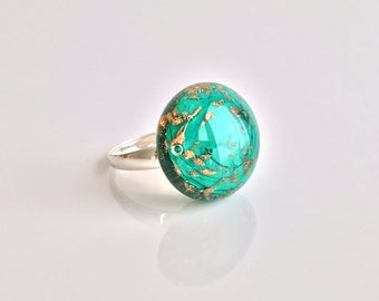 Silver ring and glass glitter. Spun by Rosa Rueda Lampwork Murano glass bead