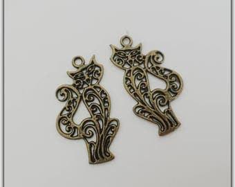Set of 2 cat charms, bronze color