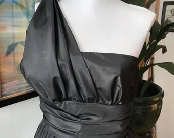 Frank Usher, vintage dress, vintage black dress, LBD, 1980s dress, black and white dress, prom dress, evening dress, black tie, size S